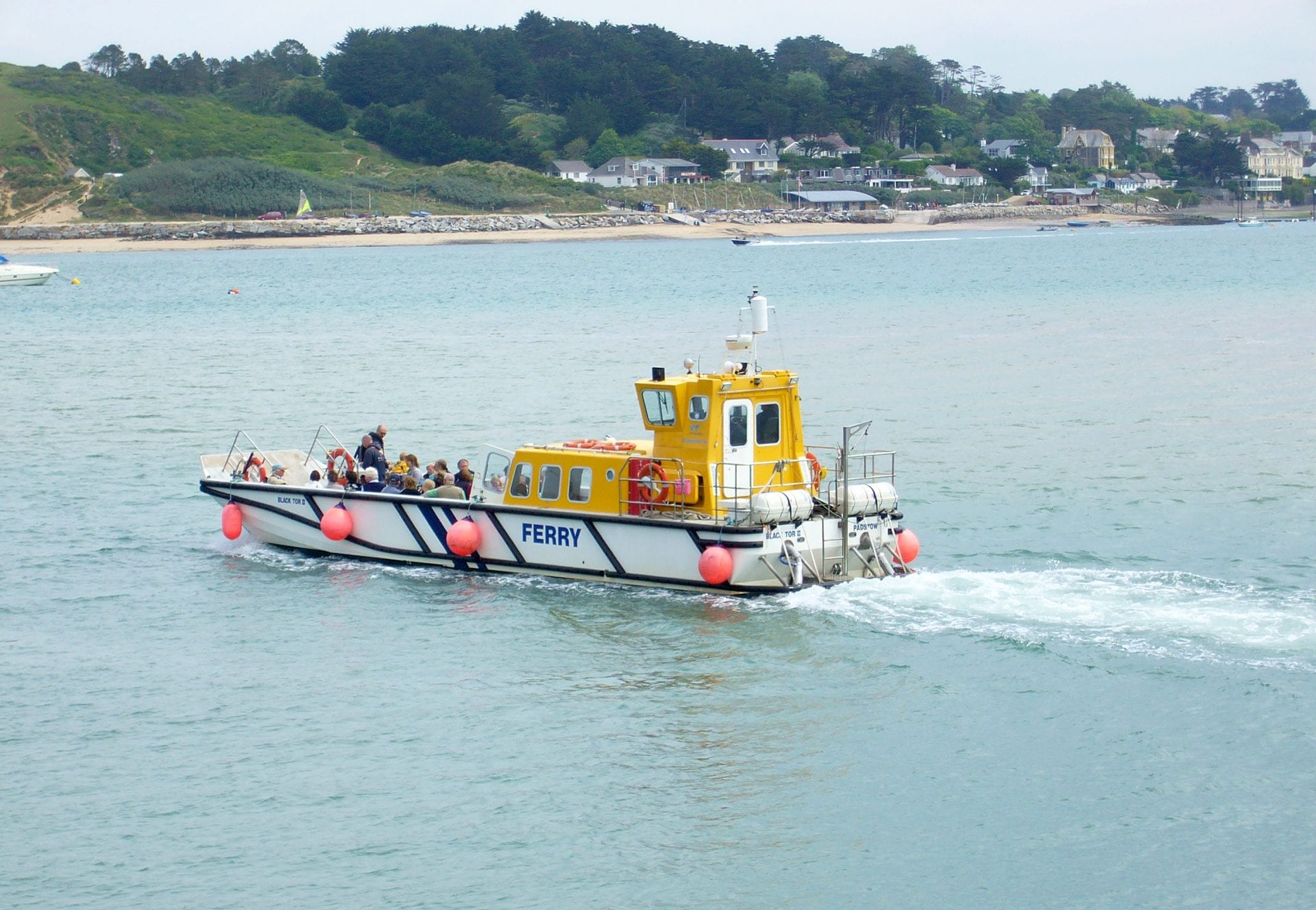 passenger ferry between rock and padstow